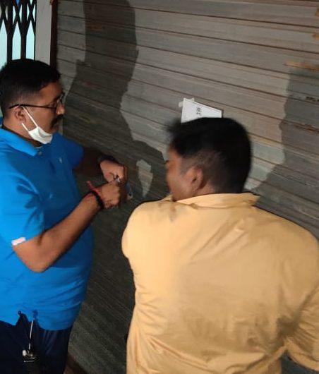#Surat - સૌથી મોટી કાર્યવાહી : ડિપાર્ટમેન્ટ દ્વારા ફાયર સેફ્ટીના જરૂરી સંસાધનો ન ધરાવતી 1,506 દુકાનો સીલ કરી