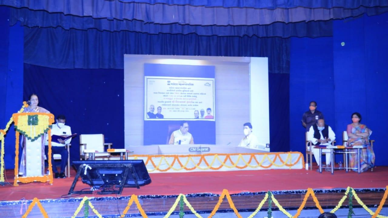 #Vadodara - જનતાના સહકારથી કોરોના સંક્રમણને નિયંત્રિત કરવામાં આપણે સફળ રહ્યા છીએ - CM વિજય રૂપાણી