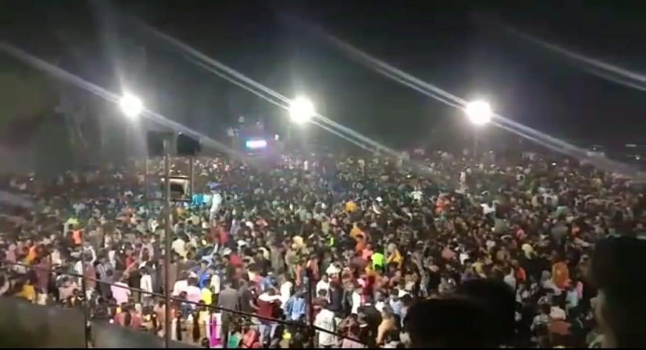 ભાજપના પૂર્વ આદિજાતી મંત્રી કાંતિ ગામીતની પૌત્રીની સગાઇમાં સરકારની કોવિડની ગાઇડલાઇન VIDEO માં શોધવી પડે તેવી સ્થિતિ, જુઓ