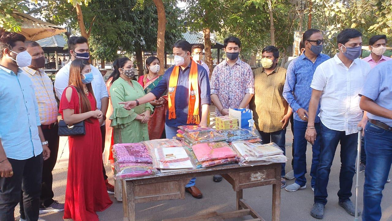 #VADODARA - કોરોના કાળના અનોખા કર્મવીરો સાથે BJP ના નવનિયુક્ત મહામંત્રી સુનિલ સોલંકીએ જન્મદિવસ ઉજવ્યો
