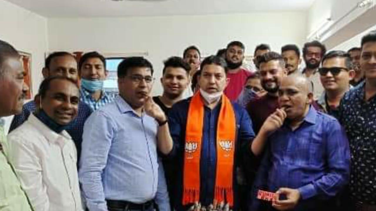 રાજકીય શિકાર ? વડોદરા BJP કાર્યલયમાં બર્થ-ડેની ઉજવણી કરનાર નવનિયુક્ત મહામંત્રી સુનિલ સોલંકી સહીત 4 સામે ગુનો નોંધાયો