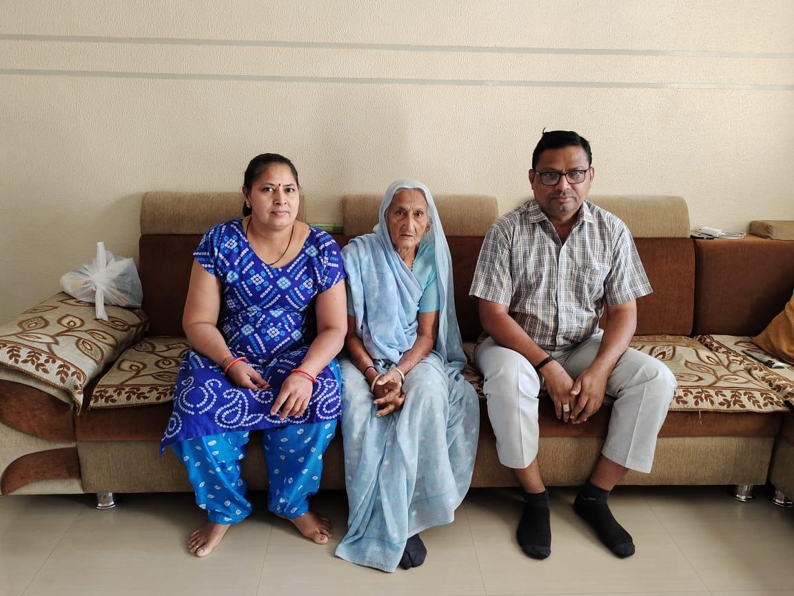 #Surat - બેભાન હાલતમાં હોસ્પિટલ લવાયેલા 85 વર્ષીય વયોવૃદ્ધ અંબાબેન પટેલે 10 દિવસની લડત બાદ કોરોનાને હરાવ્યો