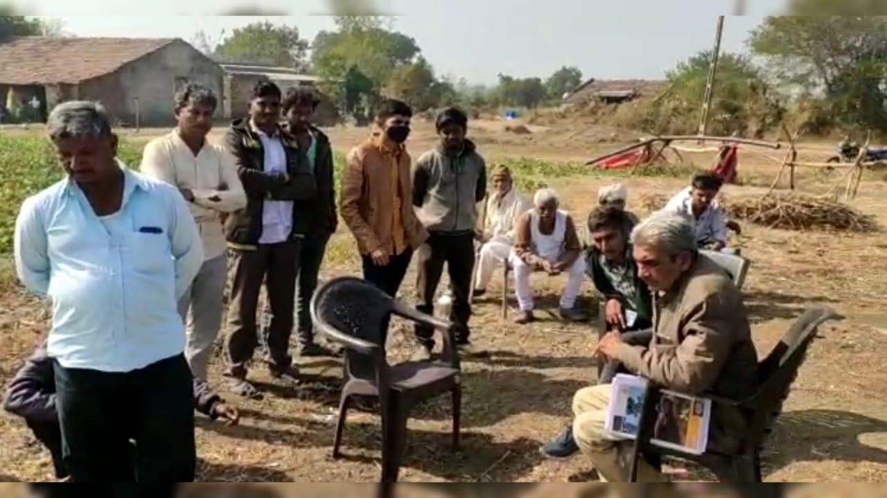 #Rajkot વડાળી ગામે પહોંચેલા સિંહોએ વાછડીનું મારણ કરતા સ્થાનિકોમાં ફફડાટ