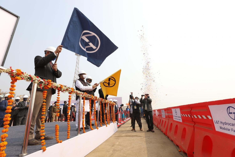 #Surat - હજીરાની કંપનીઓ 'Make in India' થકી આત્મનિર્ભર ભારતના નિર્માણમાં સહાયરૂપ : કેન્દ્રીય મંત્રી ધર્મેન્દ્ર પ્રધાન