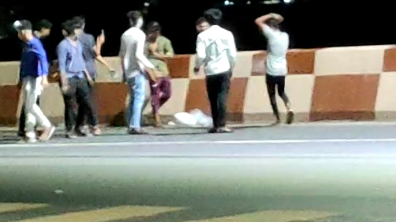 Gujarat, Birthday Celebration in Night Curfew at Surat
