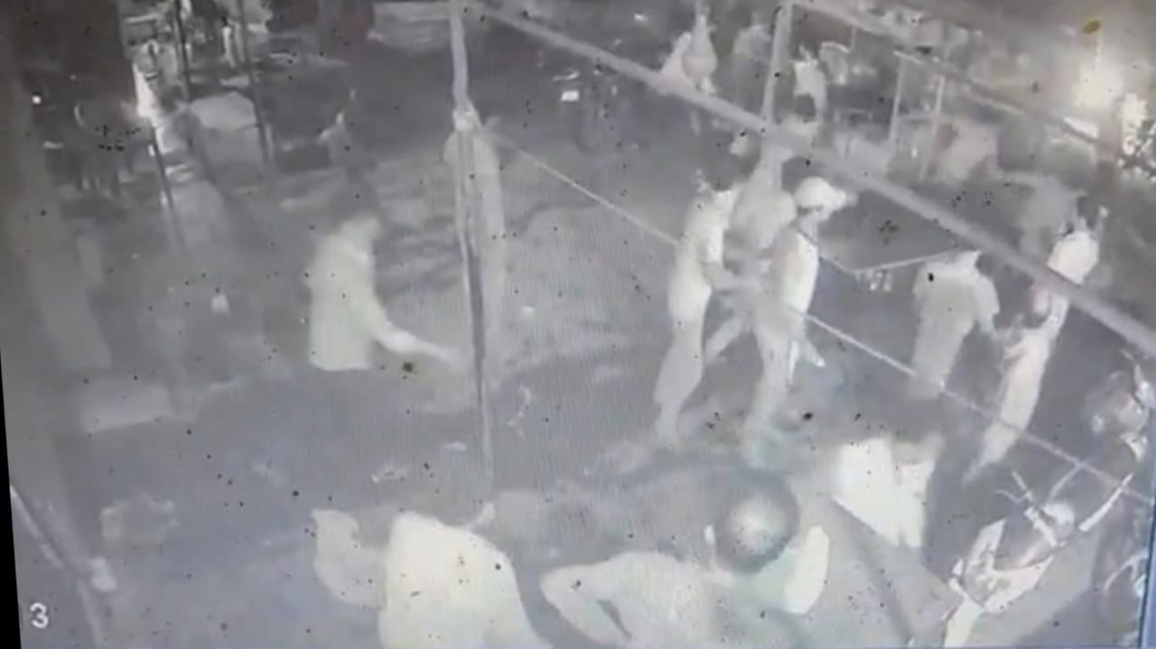 Gujarat, Surat Pandesra Shiva Gang Caught in CCTV